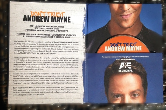 dont-trust-andrew-mayne-press-kit-004