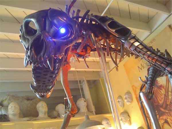 Scream_Queens_FX_Shop-metal-skeleton-beast.jpg